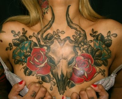 Amazing roses & skull by Joao Bosco