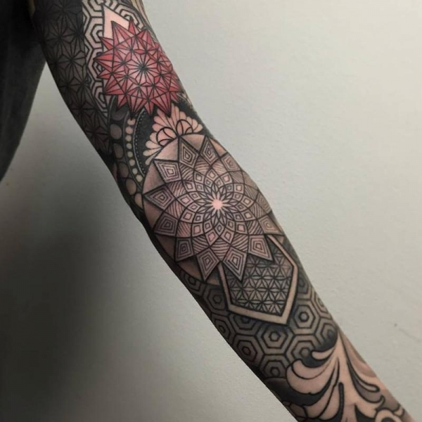 Geometric sleeve idea