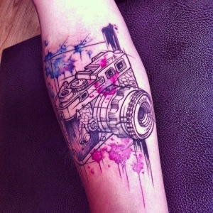 Watercolor camera by Charlotte Chadeau