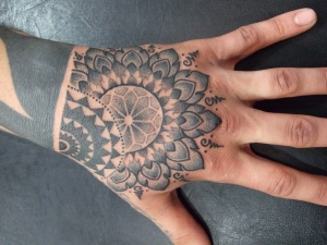 Hand dotwork from Jondix