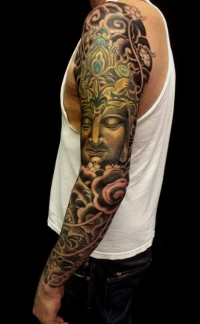 Awesome sleeve by Paris Pierides