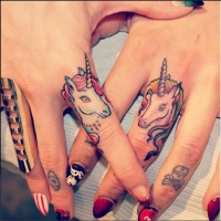 Cute finger unicorns!