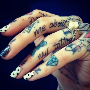 Sexy finger tattoos