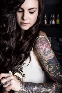 Super hot tattoo artist Cally-Jo