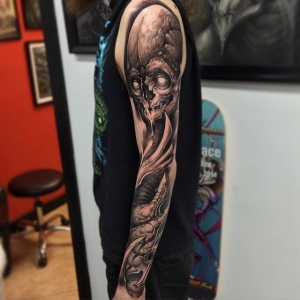 Full alien skull sleeve by Jesse Levitt