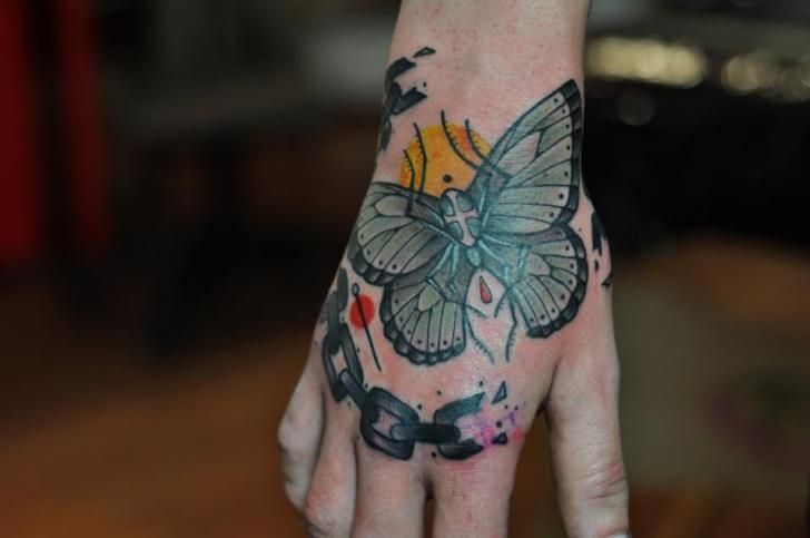 Hand butterfly by Mark Halbstark