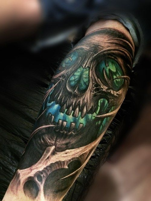Green skull by Stepan Negur