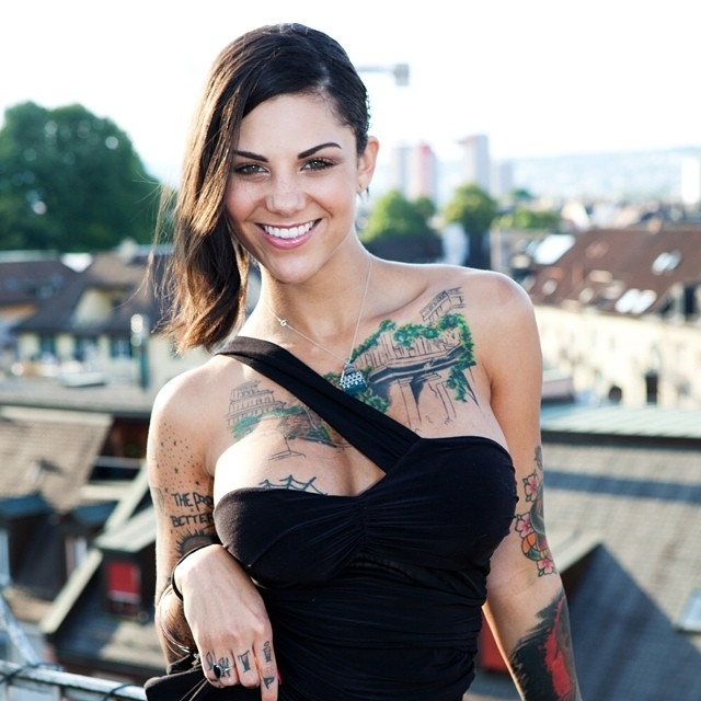 Tattoo model Bonnie Rotten